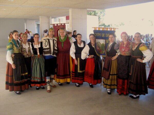 Grupo femenino de danzas de Navas del Pinar